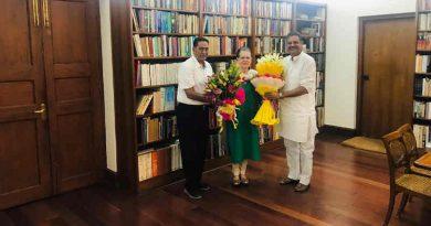 Subhash Chopra, Congress president Sonia Gandhi, and Kirti Azaad. Photo: Congress