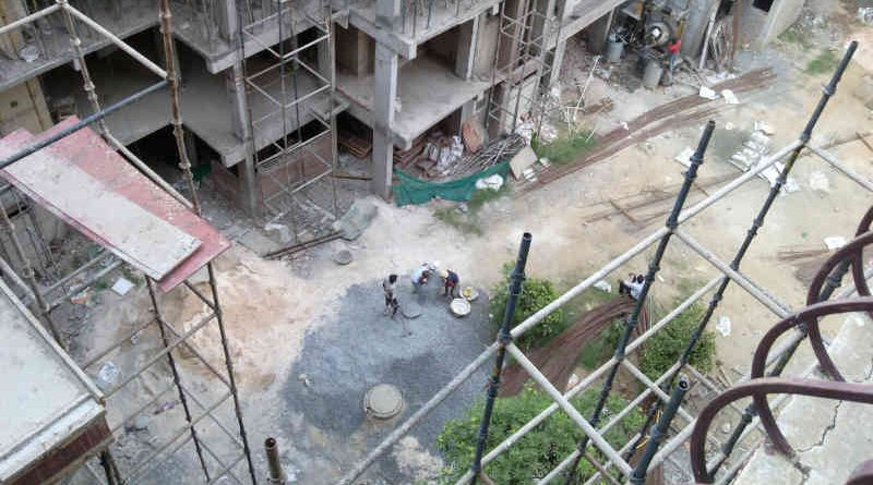 DPS CGHS MC members are carrying out the illegal FAR construction activity with external construction workers and in connivance with construction companies to spread coronavirus at DPS CGHS, Sector 4, Dwarka, New Delhi. Photo: RMN News Service | Click the photo to know the details.