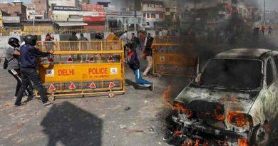 A scene of riots in Delhi. Photo: Reuters