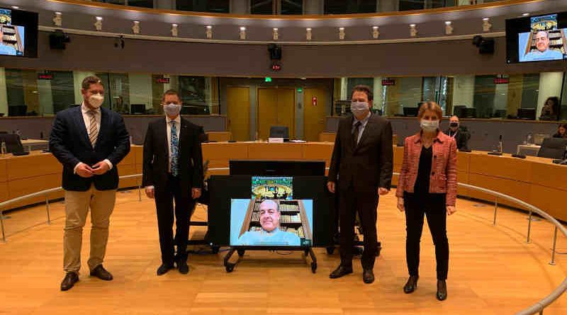 Parliament, Council and Commission negotiators moments after reaching a deal on an EU recovery package for farmers and rural areas on November 10, 2020. Photo: European Parliament