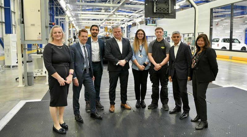 The Mayor of London, Sadiq Khan visiting on October 15, 2021 the state-of-the-art London Electric Vehicle Company (LEVC) factory in Coventry. Photo: Twitter / Mayor of London